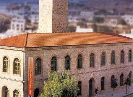 Μουσεία Archives | SyrosmapΤο Βιομηχανικό Μουσείο Σύρου εγκαινιάστηκε το 2000. Στεγάζεται σε ένα παλιό εργοστάσιο χρωματουργίας ( Κατσιμαντή) και είναι κτήριο κατασκευής του 1888 περίπου. Βρίσκεται στην Γ. Παπανδρέου 11 απέναντι από το Νοσοκομείο.