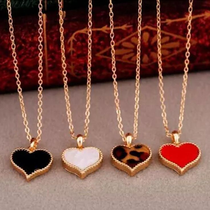 Fashion Hot New Gossip Girl Serena Red Heart With Love Necklace Clavicle Model Chain Clover Wholesale - Jewelry