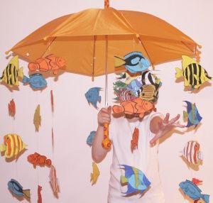 """une idée originale pour Mardi Gras : un """"déguisement"""" """"banc de poissons"""" !... vous pouvez aussi en faire un mobile, des poissons d'avril, des embellissements... les motifs sont proposés en recto/verso et en couleur ou en noir et blanc pour les colorier soi-même..."""