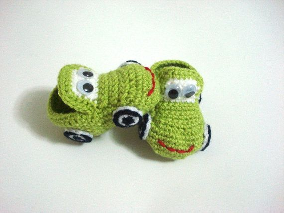 baby shoes, Green crochet Car Baby Booties, baby slippers, baby shoes, crochet baby booties 0 12 month baby, crochet baby shoes, baby socks