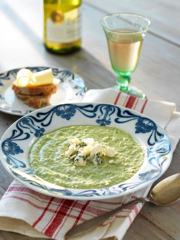 Krämig broccolisoppa med ädelost