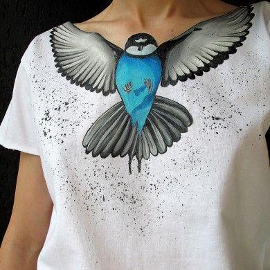 Дизайнерская футболка с ручной росписью