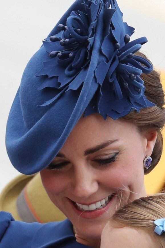 """Emily Andrews on Twitter: """"Closer look at Kate's Lock & Co hat with maple leaf flower. And new sapphire earrings?? #RoyalVisitCanada"""