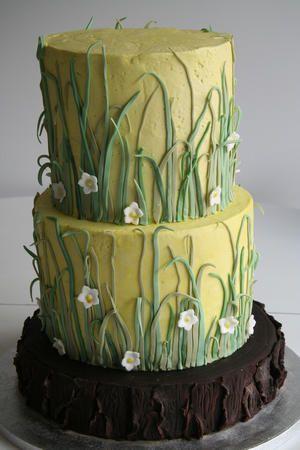 Green grass cake. awsome idea i think...