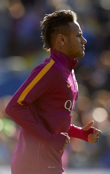 Neymar JR of Barcelona looks on prior to the La Liga match between Levante UD and FC Barcelona at Ciutat de Valencia on February 07, 2016 in Valencia