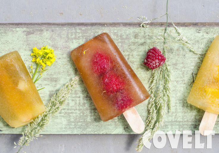 Heerlijke zelfgemaakt waterijsje --> water + diksap + vers fruit #CoveltDixap #diksap #Framboos #Cranberry #Peer #Perzik #Tropischevruchten  #ijs #fruitijsje