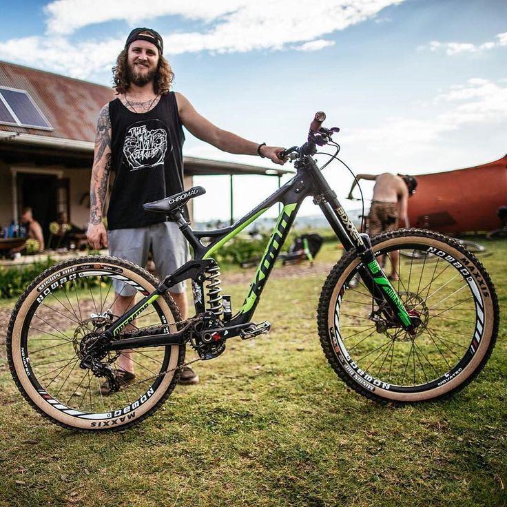"4,921 Me gusta, 21 comentarios - Badass Mtn Bikes (@badassmtnbikes) en Instagram: ""This is one badass rider and an equally badass bike! 🔹 Bike   Kona Operator Owner: @grahamagassiz 🔹…"""