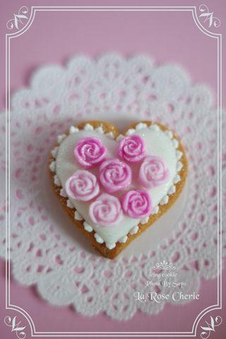 デコレーション教室 La Rose Cherie(ラ・ローズ・シェリー) -バラのアイシングクッキー