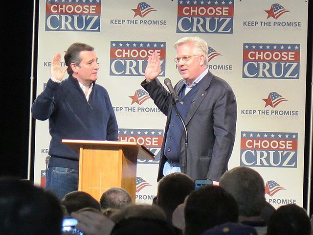 They're nucking futs!  Glenn Beck Administers 'Presidential Oath of Office' to Ted Cruz In Iowa - Breitbart