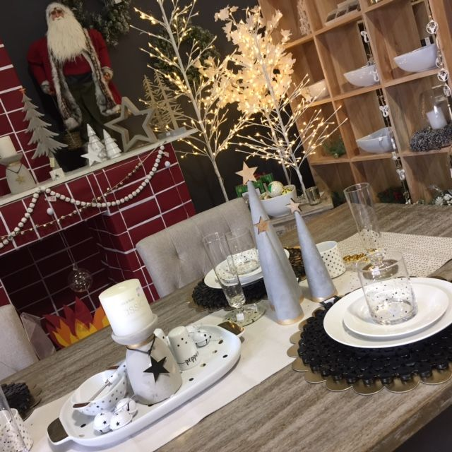 Beautiful table setting with cement trees and gold spots
