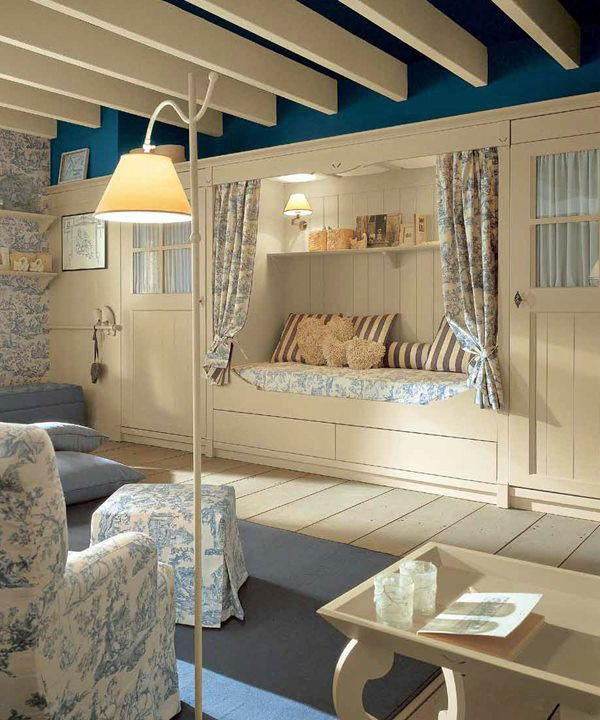 Classic English Style Children's Bedroom by Minacciolo i love the built in bench <3 nooks are sooo awesome