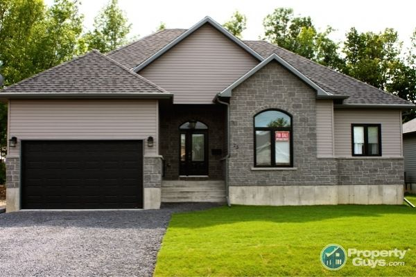 $339,900 Private Sale: 25 Abagail Crescent, Long Sault, Ontario - PropertyGuys.com