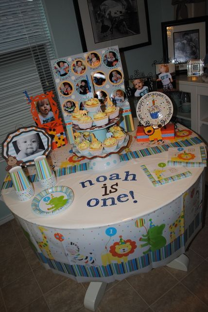Decorating Ideas > Sweet At One Baby Zoo Animals Birthday Party Ideas  ~ 200332_Birthday Party Ideas Zoo Animals