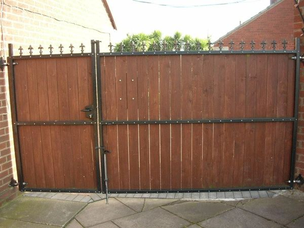 Gates with timber screening over a steel frame where more for Aluminum gates for driveways