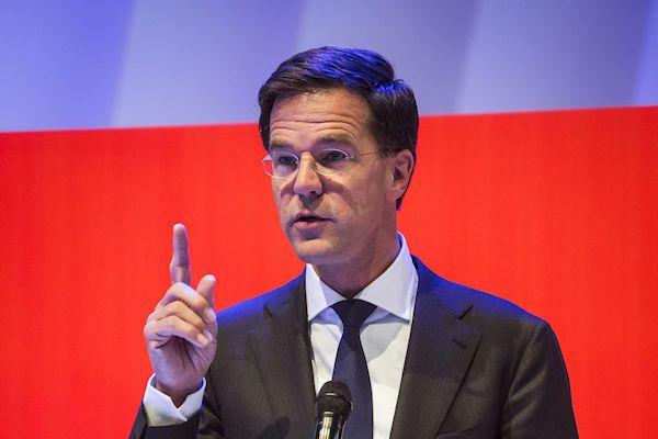 """Er komt steeds meer duidelijkheid over het beleid van de kersverse regering Rutte III. Als het aan het nieuwe kabinet ligt, krijgen alle werklozen een passende baan om de aarde. Volgens premier Rutte kan de werkloosheid met de maatregel dalen naar nul: """"Momenteel zijn er zo'n 450.000 werklozen. Die zijn mij stuk voor stuk een doorn in het oog. Dankzij [...]"""