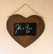 Liitutaulu sydän | HilleRin Puinen sydän johon voit kirjailla haluamasi tekstin.