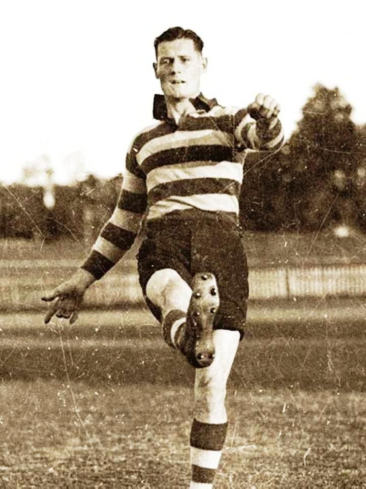 George Moloney. Played 1927-1945. Games Claremont 190, Geelong 88. Sandover medal 1936. Premiership player Geelong 1931. Leading VFL goalkicker 1932 (109 goals). Leading goalkicker WANFL 1940 (113 goals).