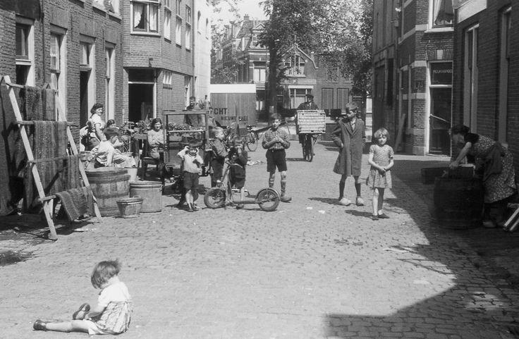 Utrecht - Kroonstraat - 1942 - fotograaf Nico Jesse
