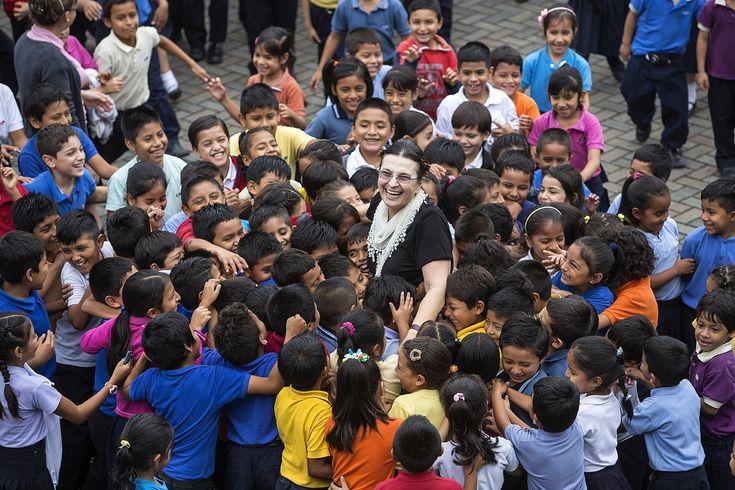 """A Maria Luisa Cortinovis Beretta, volontaria dell'ACCRI in #Ecuador, è andato il XXI #Premio del Volontariato Internazionale istituito dalla FOCSIV. Il 4 dicembre 2014 Gianfranco Cattai, Presidente della Federazione,  ha consegnato alla nostra volontaria il riconoscimento: """"...Perché ha fatto del #volontariato #internazionale la propria scelta di vita...""""."""