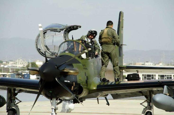 #aircharter Década correísta dejó en tierra 70% de la aviación de combate - La Hora (Ecuador) #kevelair