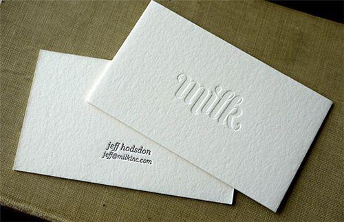 Inspiração no uso de relevo seco em cartões de visita