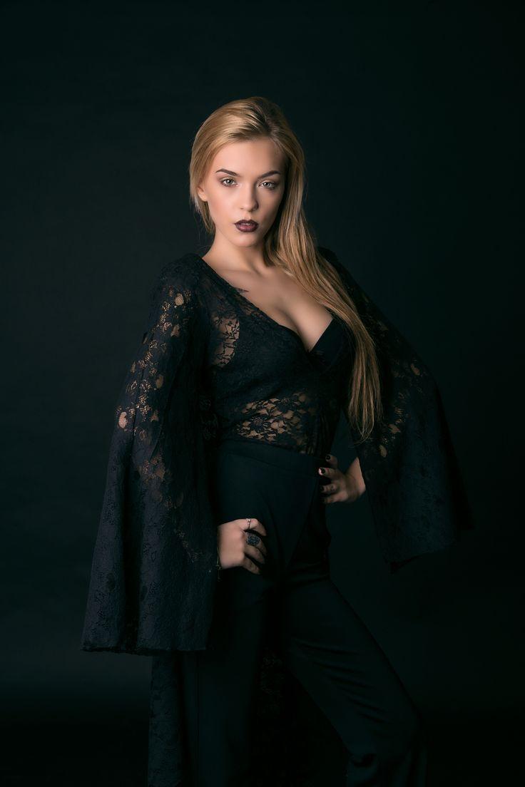 Blonde on black 2 - Model : Ioana Adriana make up: Maria Laura dress: Ana Maria Saragia