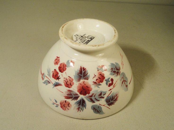 Bol ancien en céramique Sarreguemines & Digoin décor Les Mûres