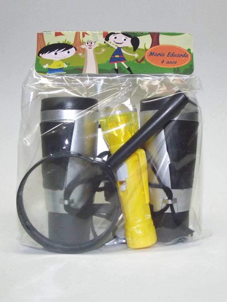 Buuu Um Chamado    Esse kit contém:    01 lupa  01 lanterna ( cores variadas)  01 binoculo    Todo trabalho feito em SCRAP ou arte digital.    Fique a vontade para fazer perguntas.