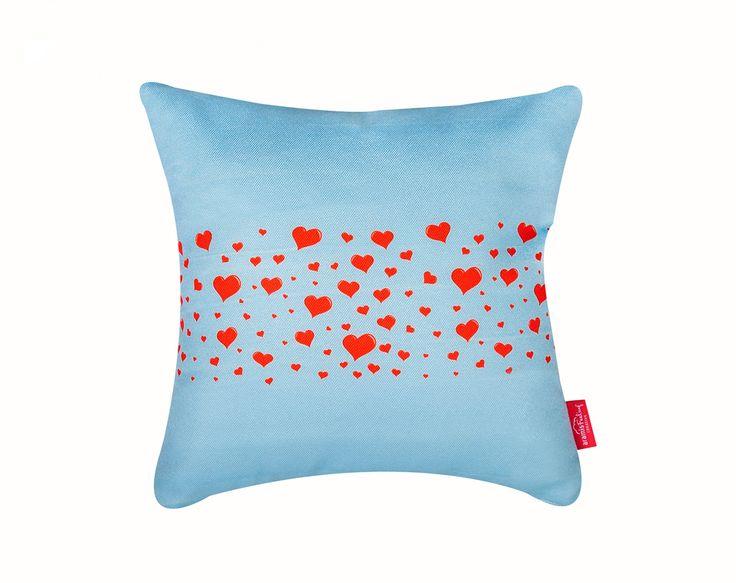 """Mesaje de iubire"" Write-on-it Pillow  #dragobete #love #boy #girl #home #cosy #comfort #cute #characters #valentines #valentinesday #gift #couple #interiordeco #design #writeonit #yourmessageonthepillow"