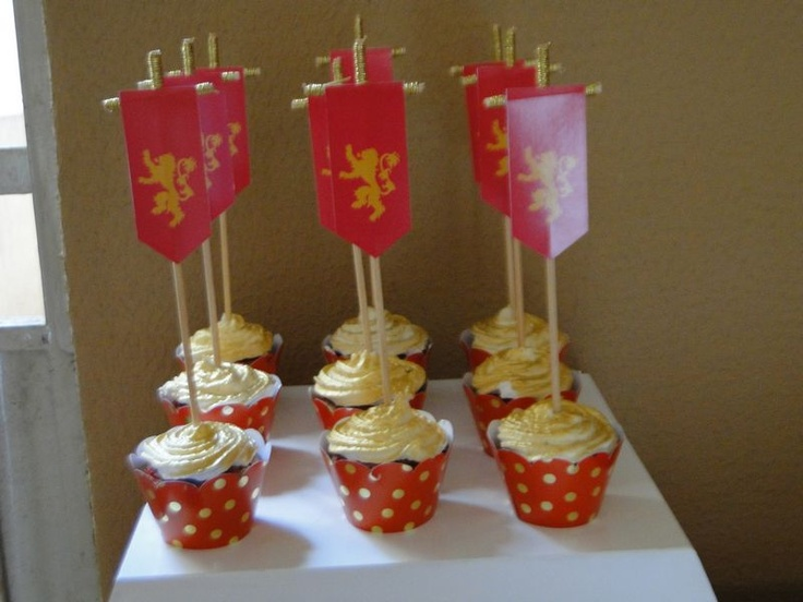 Lannister cupcake game of thrones birthday festas e for Game of thrones birthday party