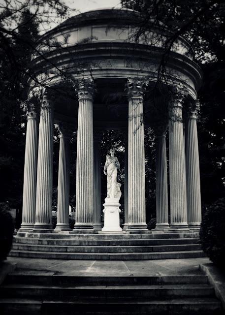 ☫ Angelic ☫ winged cemetery angels and zen statuary - Bonaventure Cemetery in Savannah, Georgia