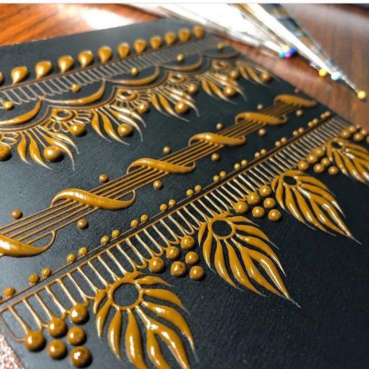 Henna art by @mehndikajoeyhenna . Follow us on Facebook @artnfann . . . . . . . . . . . . #art#henna#pattern#floral#motif#mehndi#hennaartist#artnfann