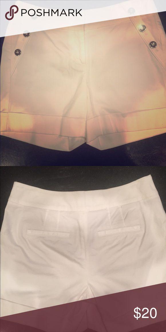 White House black market sailor nautical shorts Size 00- very gently used- look new :) White House Black Market Shorts