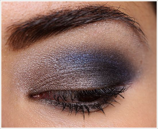 Urban Decay Dangerous Palette Look: Mushroom (inner lid), Ace (outer lid),  Evidence (crease), Loaded (crease), Skimp (browbone)  I am totally trying this one!