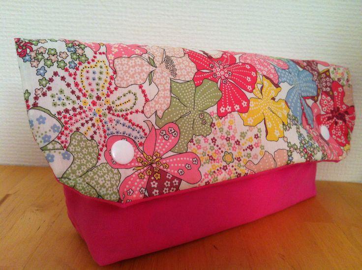 Pochette à couches Liberty Mauvey rose toilette bébé : Puériculture par l-atelier-cousette