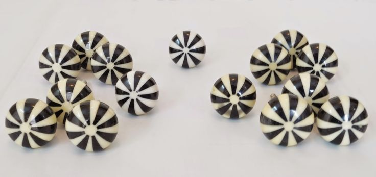 AmigoCrafts: Beautifully handcrafted Black & White Candy Shape ...