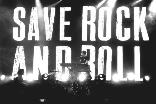Save Rock and Roll - Fall Out Boy in concert. | Fall Out ...
