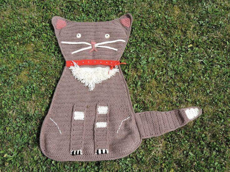 "Katzendecke ""sitzend"" /// Cat blanket ""sitting"" (21.11.15)"