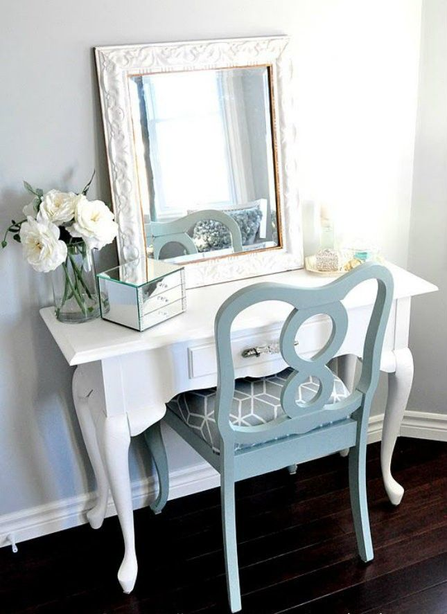 21 Vanity Tables Beauty Junkies Will LOVE. 17 Best ideas about Vanity Tables on Pinterest   Dressing tables