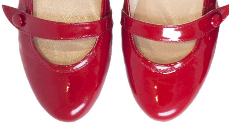 """Ballerine """"Mary Jane"""" rosse in vernice con laccetto, suola in gomma"""