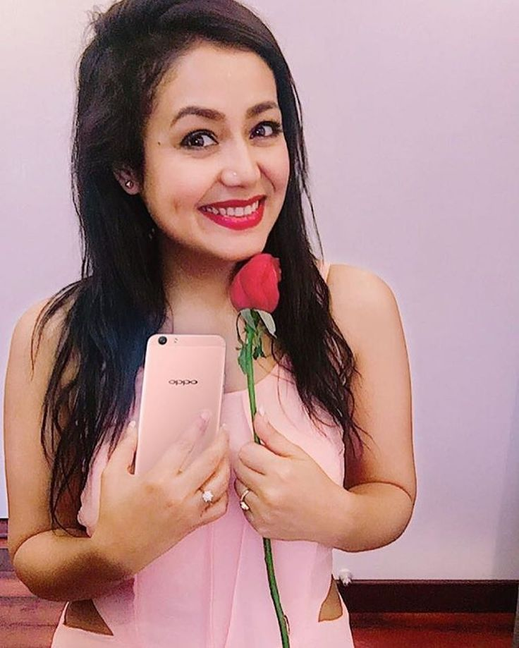 Love is in the air people! What are your plans for this Valentine's Day? Celebrate your day with the #OPPOF1s Rose Gold Limited