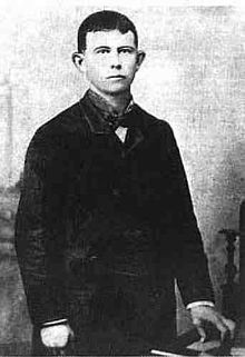 "Gratton Hanley ""Grat"" Dalton (March 30, 1861 – October 5, 1892) was an American outlaw in the American Old West. As leader of the Dalton Gang he died during an ill-fated raid on a bank in Coffeyville, Kansas."