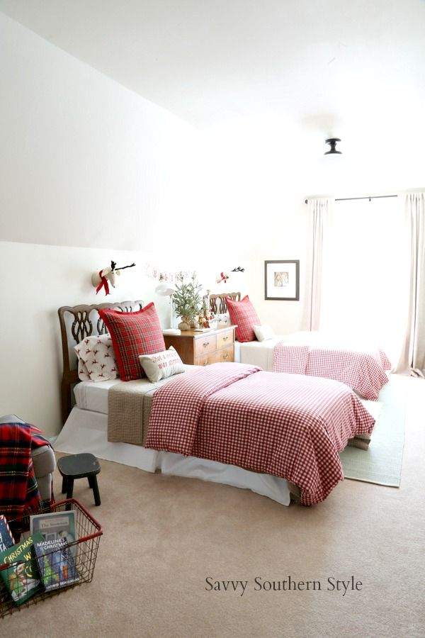The Cutest Christmas Bedroom Bedrooms Pinterest Christmas