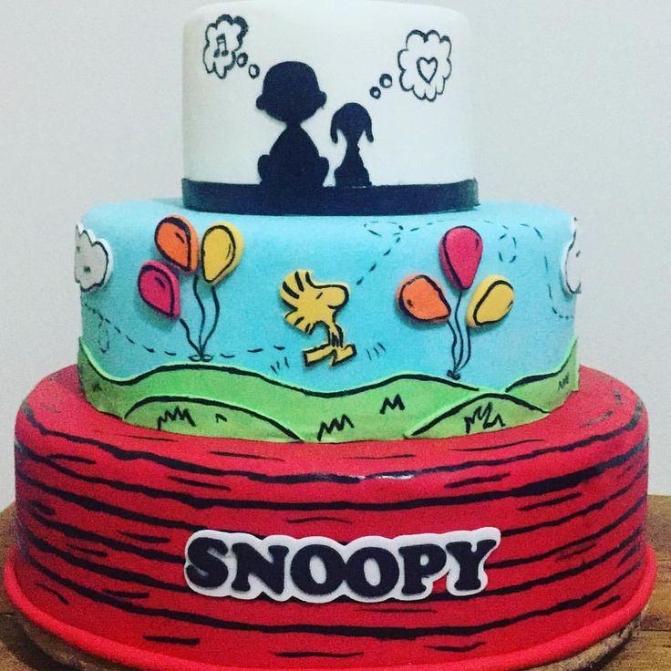 """92 curtidas, 7 comentários - Nath Toledo Festas (@nath_toledo) no Instagram: """"Bolo Check! Snoopy com @nath_toledo e @xiscake ❤️ #snoopy #snoopyparty #party #fakecake…"""""""