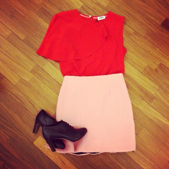 Color therapy :-) Sonia by Sonia Rykiel top, Vivetta skirt, Roberto del Carlo shoes.NOW ON SALE www.suite123.it