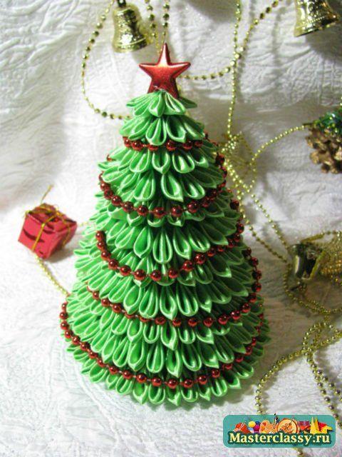 наряженая зеленая елка