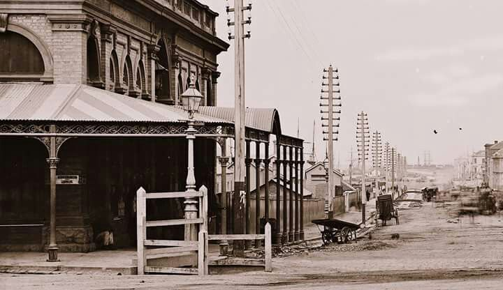 Flinders St,Melbourne from the southern side,from Swanston St in 1872.