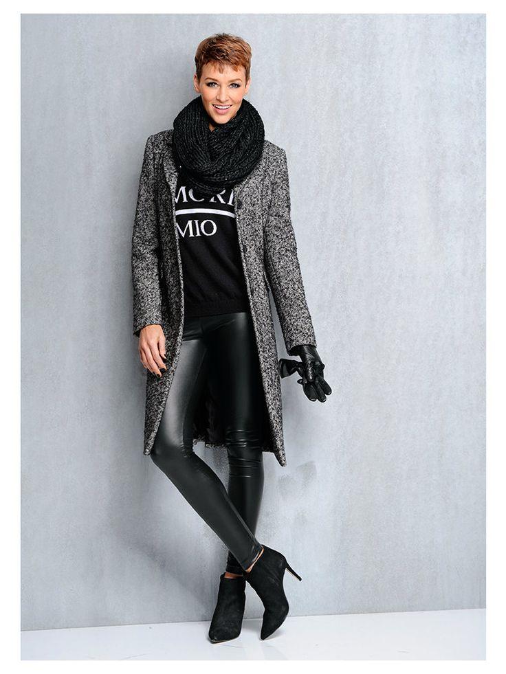 Tenue top tendance #mode #nouveautés - Manteau en laine gris, sweatshirt, legging simili cuir et bottines