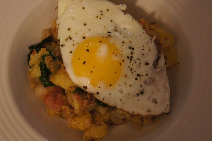 Breakfast Polenta with Spinach, Bacon, and an Egg: Spinach Bacon, Polenta Bacon, Breakfast Polenta, Bacon Egg, Watchers Recipes, Healthy Recipes, Favorite Recipes, Polenta With