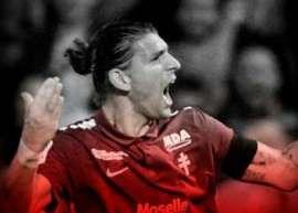 El defensa argentino procedente del Metz de la Ligue 1, se convirtió en nuevo jugador de los Tiburones Rojos para el Torneo Apertura 2017.